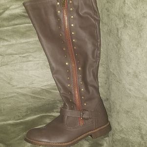 Knee high boots nwot